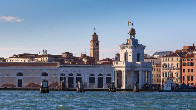 是威尼斯地标性的历史建筑.
