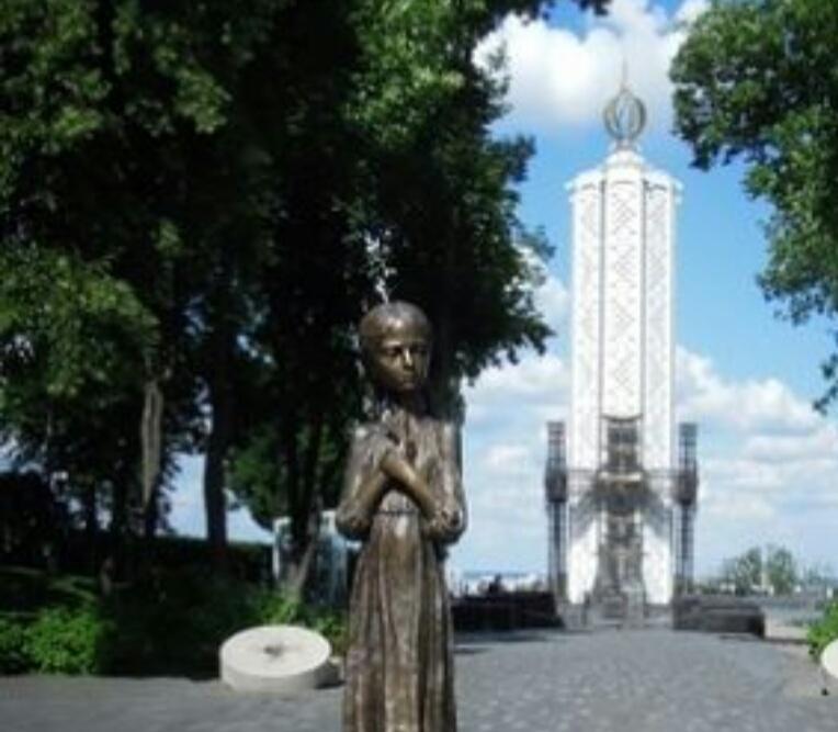 """国立大饥荒受害者纪念博物馆  National Museum""""The Memorial in Commemoration of Famines'Victims in Ukraine""""   -3"""