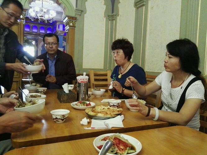 黄岛自由之旅(中)美食街新疆岔河图片