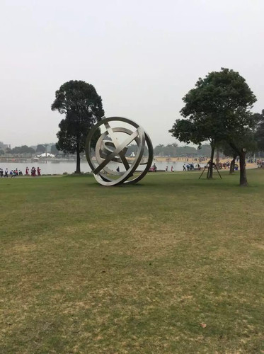 月湖雕塑公园游记#young
