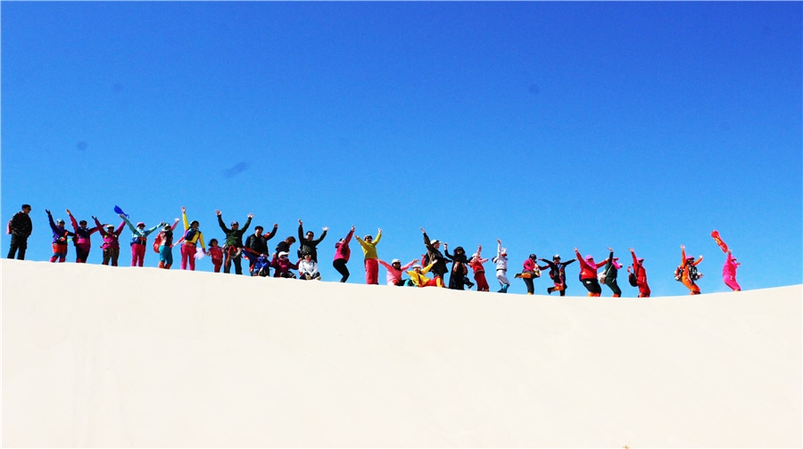 【景区概述】内蒙古库伦沙漠银沙湾景区是东北地区沙漠带,横贯库伦旗