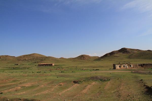 新疆维吾尔自治区塔城地区托里县位于准噶尔盆地西