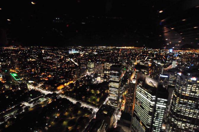 悉尼塔旋转餐厅自助餐(可俯瞰悉尼全景)