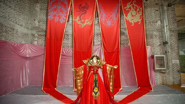 欧式女皇的衣服