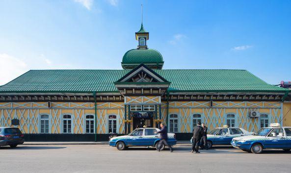 这座有着百余年历史的火车站拥有国内保存最完整的