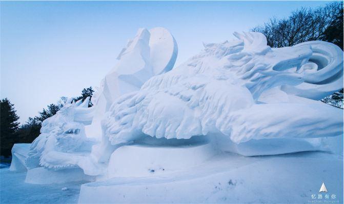 至于各种动物也是雪雕的理想之选
