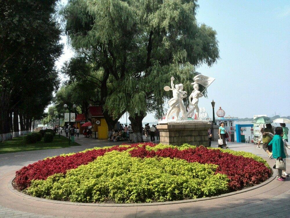 哈尔滨防洪纪念塔加斯大林公园