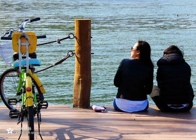 骑单车的女孩子,亲,情人节你落单了吗?