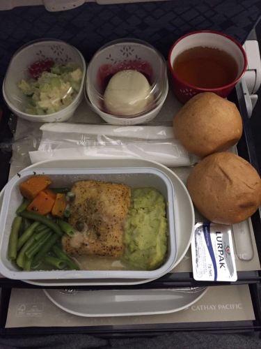 国泰航空经济舱的飞机餐