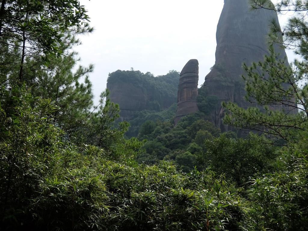 二天游完长老峰景区下午再去的,但最后体力不支,没有再去了>_  阳元石
