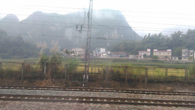 火车窗外风景图片素材