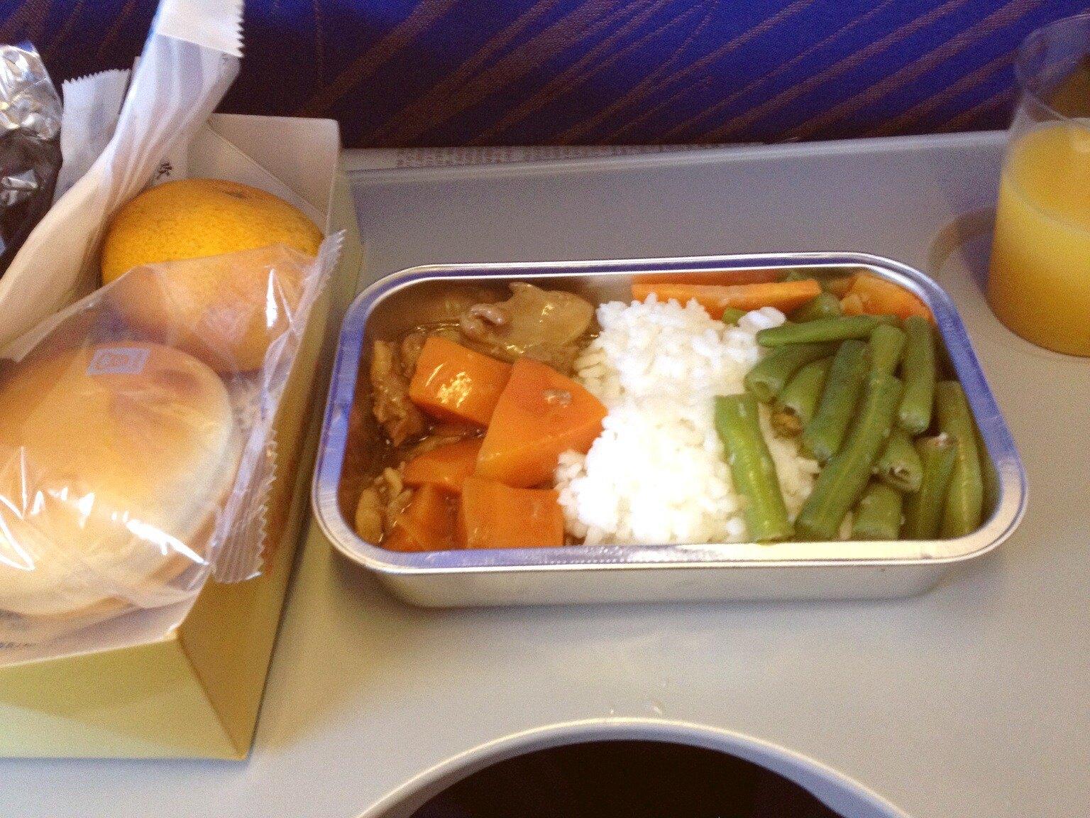 南航广州-宁波的中餐,只能说国内航班飞机餐的标准