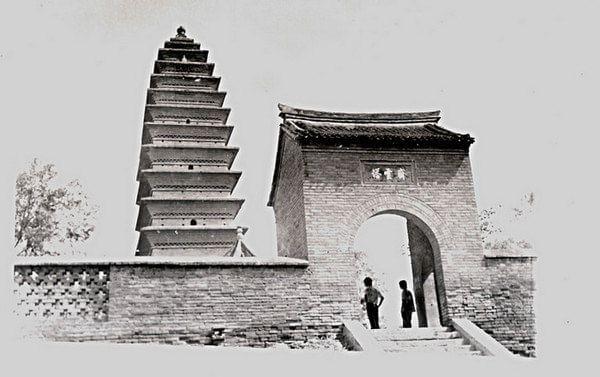 齐云塔原称释迦舍利塔,金方塔