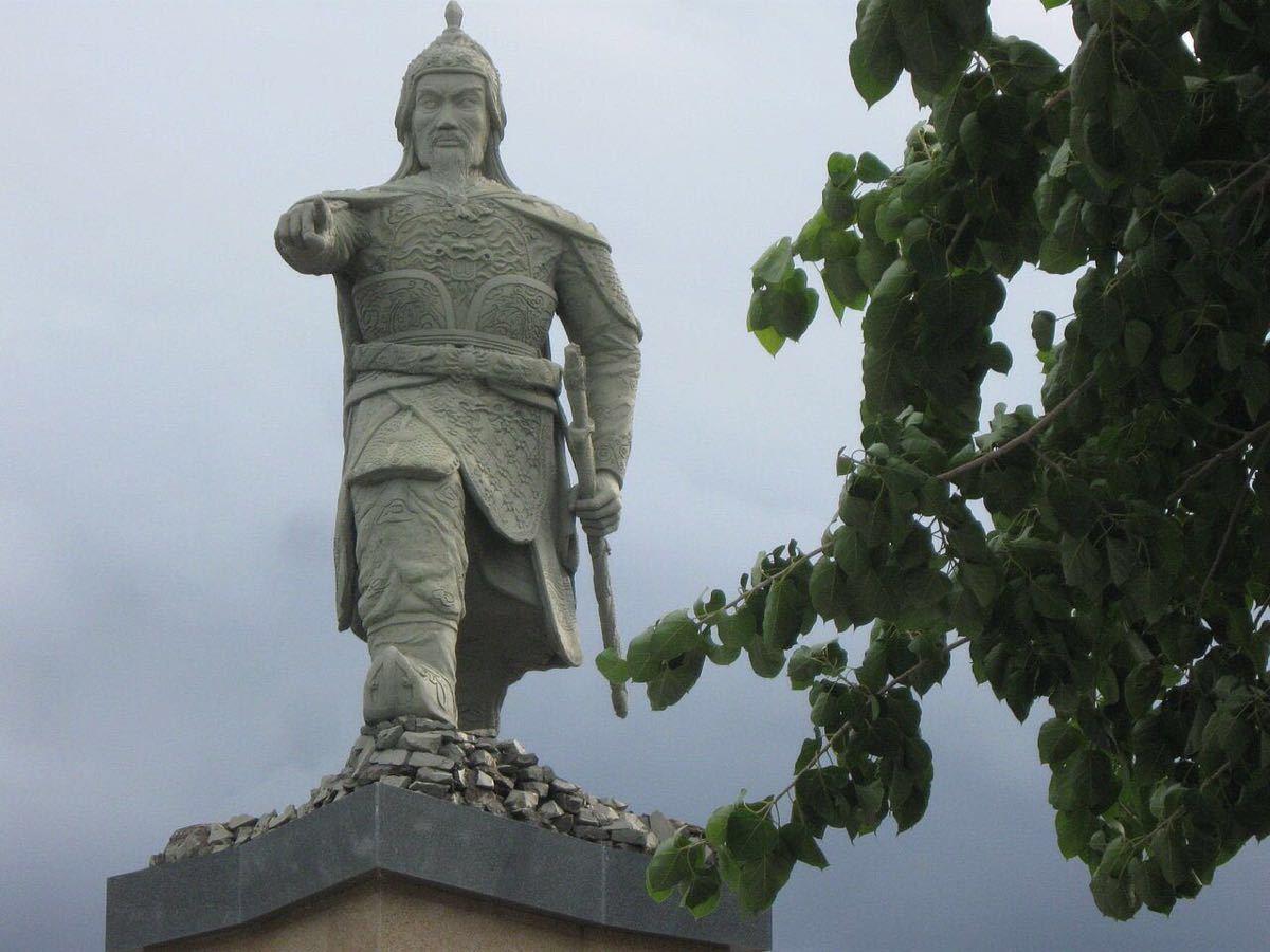 陈兴道雕像  Trn Hng o Statue   -0