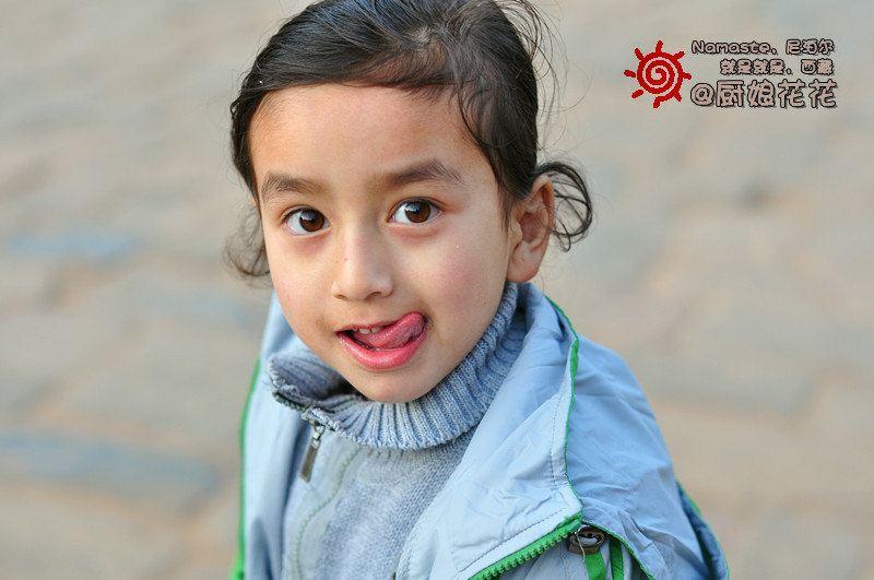 非常可爱的小女孩