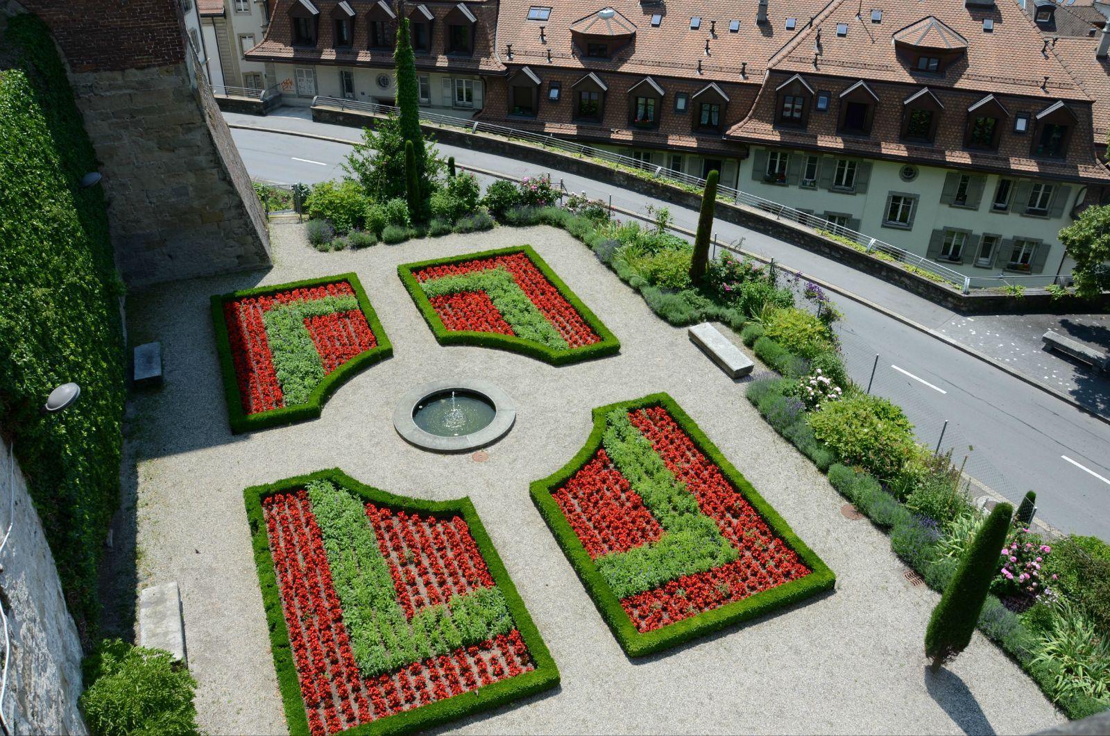 校园长方形花坛设计图展示