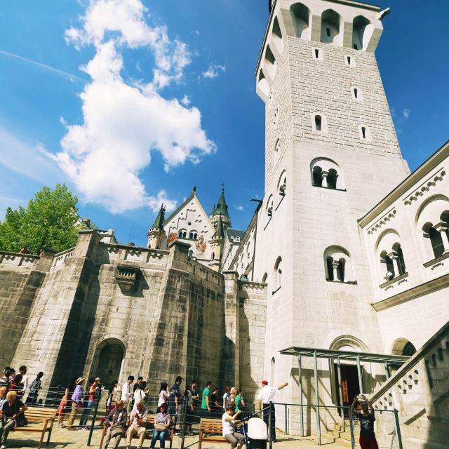 钢笔城堡建筑手绘图