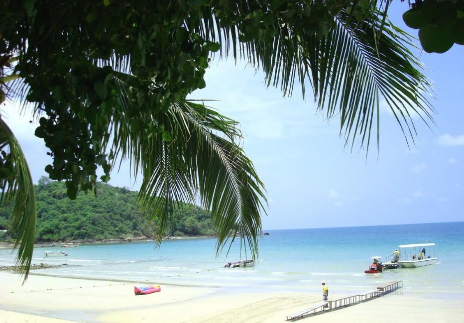 沙美岛不仅有美丽的热带风光和第一流的海泳场
