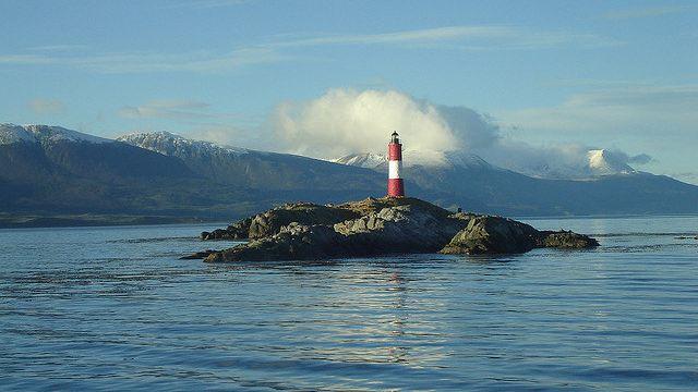 les eclaireurs 4分 (12条点评) 3 在比格尔海峡中,有一块不大礁石岛