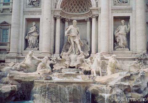 中世纪欧洲神父雕像