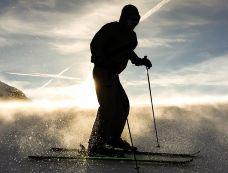 伊龙滑雪场-洛阳-是条胳膊
