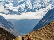 尼泊尔6日5晚私家团·【户外天堂·布恩山】徒步Poon Hill三天精华段·观日出金山|内陆飞机|营养餐食|中文徒步向导+2人1挑夫|颁徒步挑战证书|香格里拉·追逐雪国光影之旅