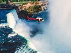 """加拿大多伦多+尼亚加拉大瀑布5日4晚跟团游·『夏季玩转加东 多伦多+特别安排1晚瀑布小镇住宿』可深度体验『尼亚加拉大瀑布夜景+天虹塔瀑布景观自助午餐+""""吹手号""""瀑布游船+瀑布直升机』『享24小时免费接机服务』"""