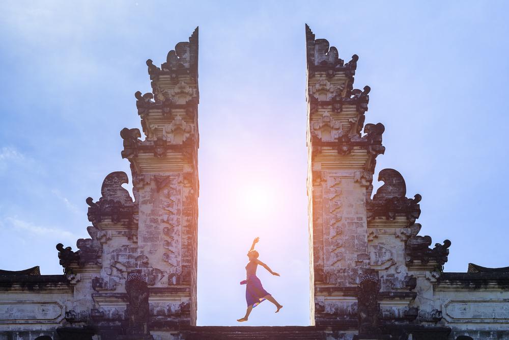 印度尼西亚巴厘岛+蓝梦岛7日5晚跟团游·全国出发·蜜月别墅+海边钻5·丽兹下午茶