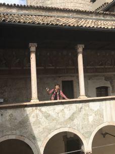 不翁康西里城堡-特伦托-Xie Feifei