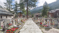 登山者墓地