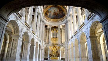 巴黎-凡爾賽宮、岑哲晞