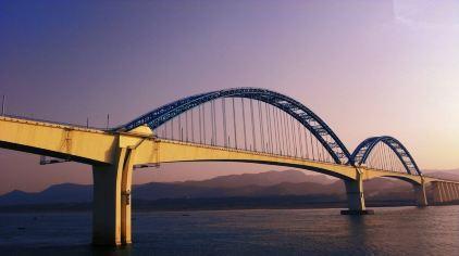 交运长江夜游-宜万铁路大桥1