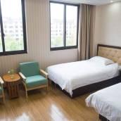 漢頤酒店(上海浦東機場華夏東路地鐵站店)