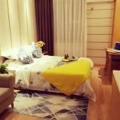 金月上品公寓(青島中鐵博覽城店)