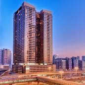 迪拜巴莎高地美居全套房酒店