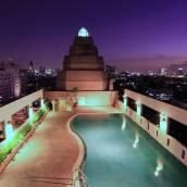 卡曼尼皇宮酒店
