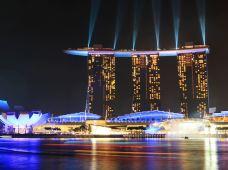 新加坡+马来西亚6日5晚私家团(5钻)·【南洋之旅】新加坡『SEA海洋馆+鱼尾狮+滨海湾+乌节路+克拉码头+小印度+松发肉骨茶』·布城马六甲1日包车游·吉隆坡1日自由活动·3晚新加坡+2晚吉隆坡亚博体育app官网任选·仅含新马单程机票