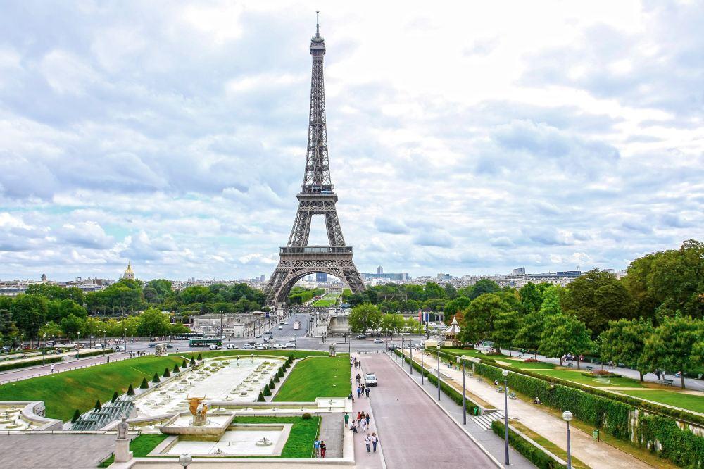 法国-巴黎-艾菲尔铁塔