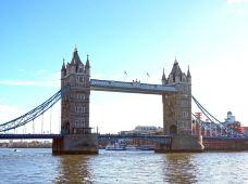 英国7日跟团游·【英格兰苏格兰高地之旅 剑桥牛津双学府】伦敦往返+哈利波特取景地+尼斯湖+湖区+巴斯巨石阵+华威城堡+洛蒙德湖+老特拉福特球场+爱丁堡+伦敦全天观光(白金汉宫、大英博物馆)+免费提供签证材料