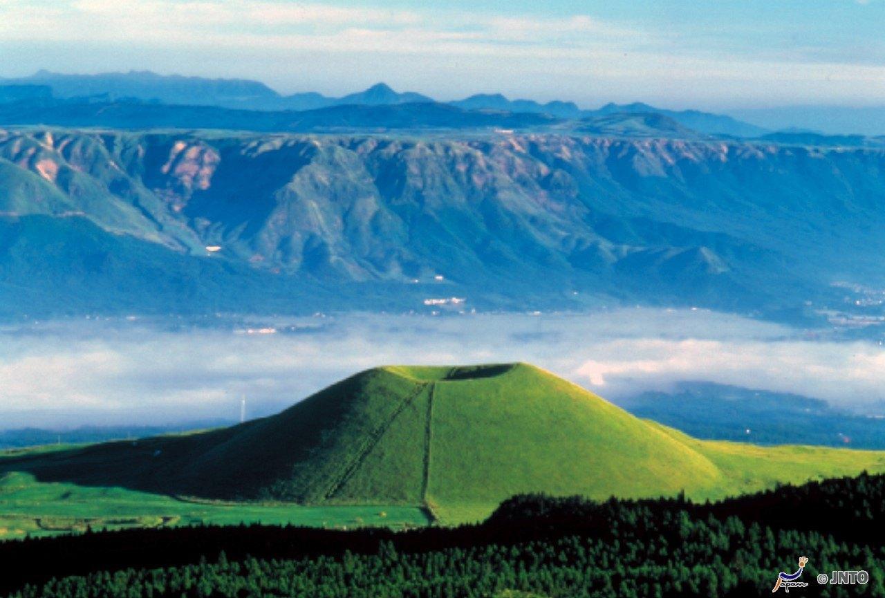 熊本城+阿蘇火山+草千里+水前寺公園一日遊(漫步名城熊本   度過休閑的時光)