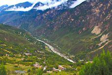 甲居藏寨-丹巴-风迎着海