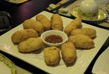 拉萨美食图片-土豆包子