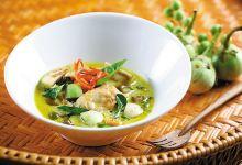 曼谷美食图片-绿咖喱鸡